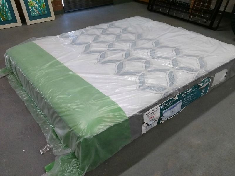 Shopping at Mattress Stores