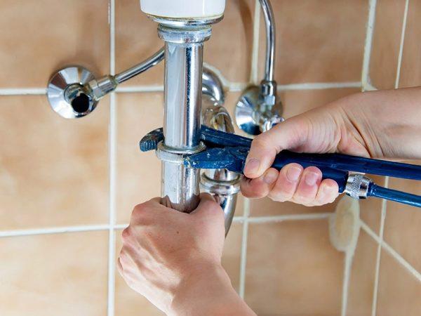 Dealing With Plumbing Emergencies