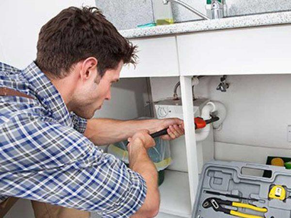 Handling Plumbing Emergencies